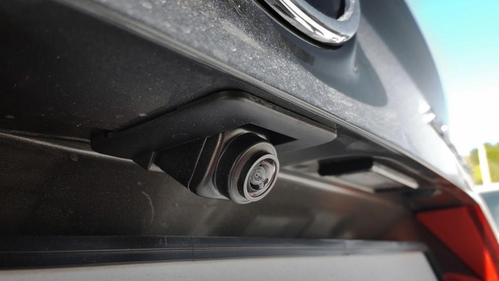 Камера заднего вида на автомобиле